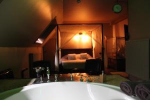 emblème de l'établissement Bubble Lounge Hotel
