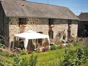 Location gîte, chambres d'hotes La Cloue dans le département Mayenne 53