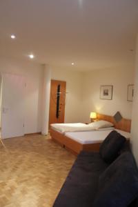 Hotel Schiller, Hotely  Freiburg im Breisgau - big - 62