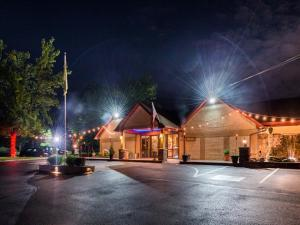 Inn of The Dove Romantic Luxury & Business Suites