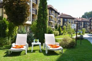 Hotel Bojur & Bojurland Apartment Complex