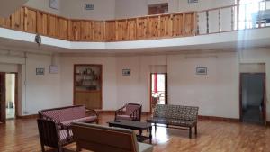 The Tara Villa, Bed and Breakfasts  Shamshi - big - 35