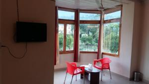 The Tara Villa, Bed and Breakfasts  Shamshi - big - 39