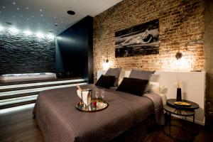 chambre avec jacuzzi sauna privatif - Brussels
