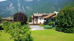 Appartamento Felce, Ferienwohnungen  Pinzolo - big - 1