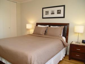 Midtown West Suites at 48th Street and Times Square - Apartment - New York