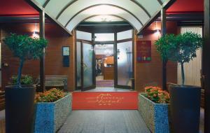 Hotel Marisa - AbcAlberghi.com
