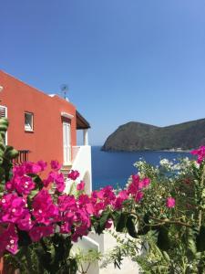 Casa Vacanze Vista Mare Bouganville - AbcAlberghi.com