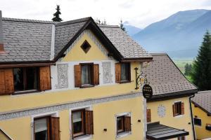 Chesa Staila Hotel - B&B, Bed & Breakfasts  La Punt-Chamues-ch - big - 9