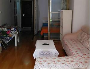 Gold Holiday Apartment, Апартаменты  Jinzhou - big - 1