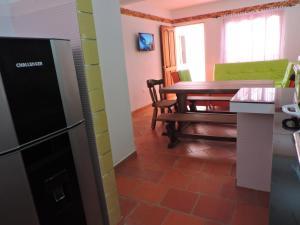 Apartahotel La Gran Familia, Апарт-отели  Вилья-де-Лейва - big - 6