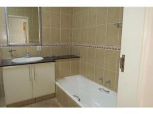 Glyndale Sands 302, Apartmány  Uvongo Beach - big - 6