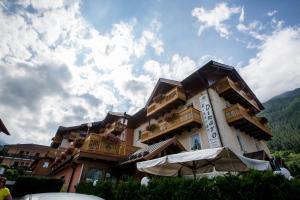 Albergo Dimaro Wellness Hotel - AbcAlberghi.com