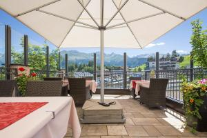 Alpen-Herz Romantik & Spa - Adults Only, Hotely  Ladis - big - 50