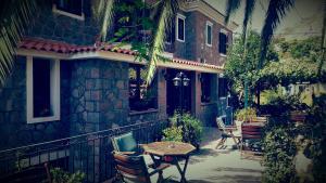 Hostales Baratos - Hotel Adonis