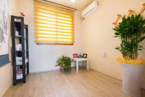 Yours Guesthouse in Tongyeong, Vendégházak  Thongjong - big - 43