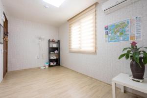 Yours Guesthouse in Tongyeong, Vendégházak  Thongjong - big - 40