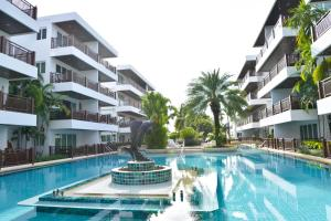 obrázek - The Beach Palace 2BR Luxury Beachfront Condo Chaam