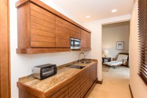Las Verandas Hotel & Villas, Resorts  First Bight - big - 26