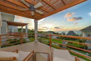 Las Verandas Hotel & Villas, Resort  First Bight - big - 78