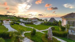 Las Verandas Hotel & Villas, Resort - First Bight