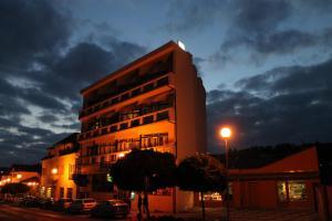 Hotel Krystal, Szállodák  Luhačovice - big - 1