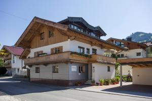 Haus Tiefenbacher - Hotel - Brixen im Thale