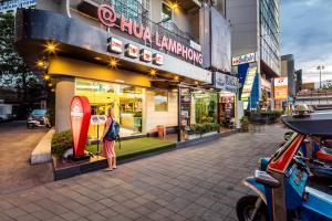 At Hua Lamphong Hotel