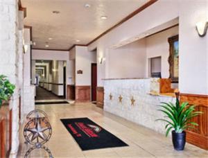 Fredericksburg Hill Country Hotel, Hotels  Fredericksburg - big - 11