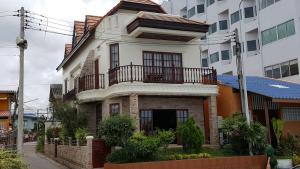Town House by the Sea - Ban Nong Hin