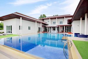 The White House Huay Yai, 7Bed - Ban Pong Khlum