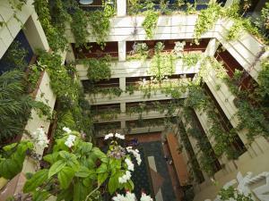 Отель Протон