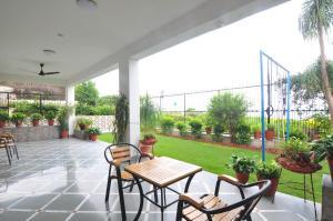 Lago villa, Bed & Breakfasts  Bhopal - big - 15