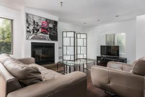 . Luxury Montreal Home Quiet Area