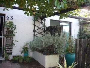 A1 Kynaston Accommodation, Bed and Breakfasts  Jeffreys Bay - big - 162