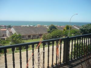A1 Kynaston Accommodation, Bed and Breakfasts  Jeffreys Bay - big - 329