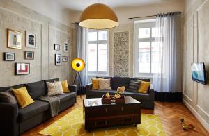 BPR - King Street Design Apartment for 12