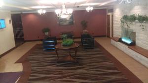 Days Inn by Wyndham Liberty, Hotely  Ferndale - big - 28