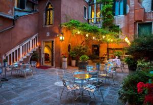 Hotel San Moisè - AbcAlberghi.com