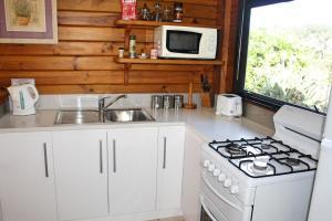 Lavendula Garden Cottage, Dovolenkové domy  Burnt Pine - big - 23