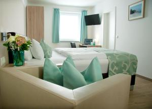 Hotel Claro Garni - Accommodation - Eitting