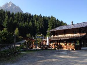 Alpin Park, Bed & Breakfast  Sappada - big - 83