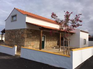Casinha da Avó Maria, Дома для отпуска  Алкобаса - big - 1
