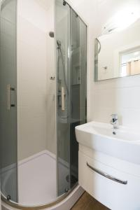 Partner Guest House Khreschatyk, Appartamenti  Kiev - big - 79