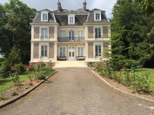 Château d'Avesnes - Le Castelet - Fleury-la-Forêt