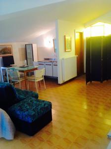 B&B Dora, Bed and Breakfasts  Colloredo di Monte Albano - big - 11