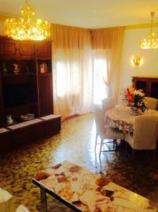 B&B Dora, Bed and Breakfasts  Colloredo di Monte Albano - big - 14