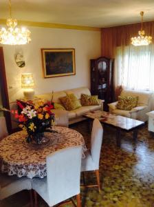 B&B Dora, Bed and Breakfasts  Colloredo di Monte Albano - big - 43