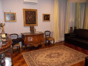 Luxury ai Banchi Nuovi - abcRoma.com
