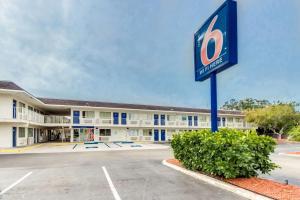 Motel 6-Venice, FL